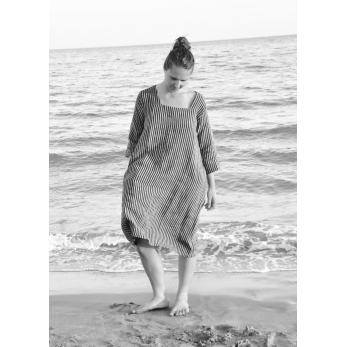 Flared dress, 3/4 sleeves, squared neck, dark stripes linen