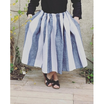 Bow skirt, white stripes linen
