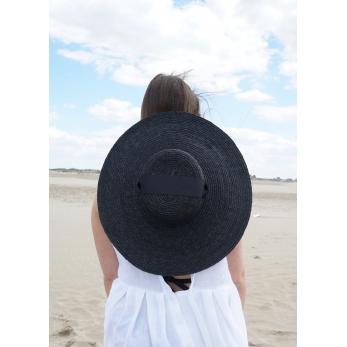 Basic hat, black straw