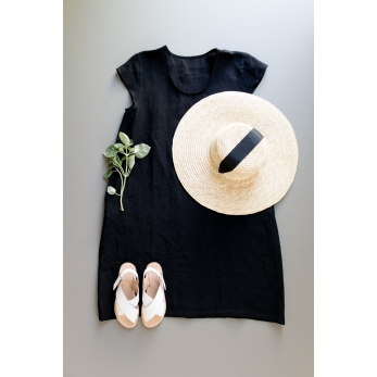Flared dress, short sleeves, U neck, black linen
