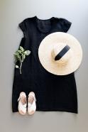Robe évasée manches courtes, col profond, lin noir