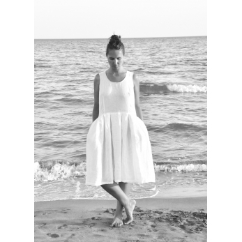 Pleated bow dress, white linen