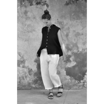 Sleeveless pleated shirt, black linen