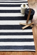 tapis Isna, rayures noires et blanches