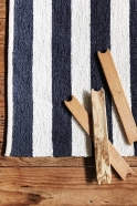 Isna rug, black and white stripes