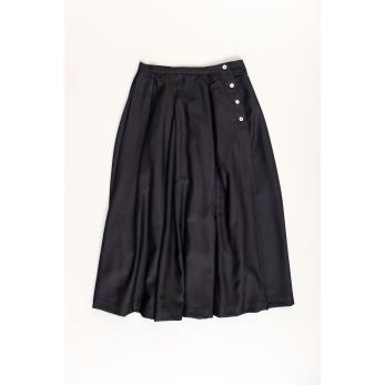 Pleated skirt, black flannel