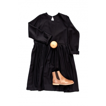 Pleated dress,  long sleeves, black flannel