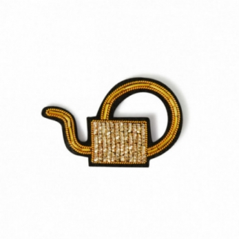 "Brooch ""Watering can"" gold"