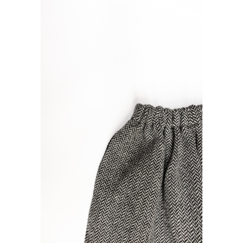 Unisex short, herringbone wool drap