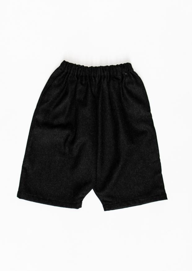 Unisex short, grey wool drap