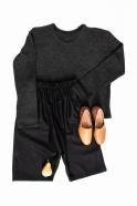 Unisex short, black wool drap