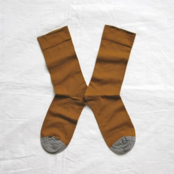 """Plain"" socks, Cinnamon"