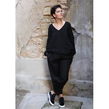 Long sleeves blouse V neck, black linen