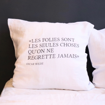 "Pillow cases ""Oscar Wilde"" black"