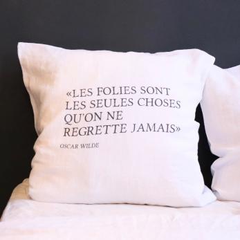 "Taie d'oreiller ""Oscar Wilde"" noir"