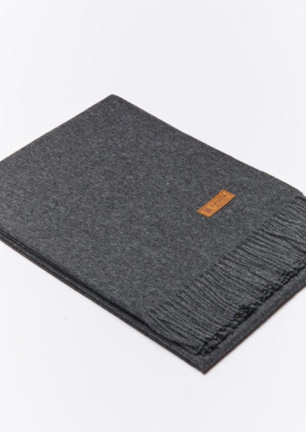 Dark grey baby alpaga blanket