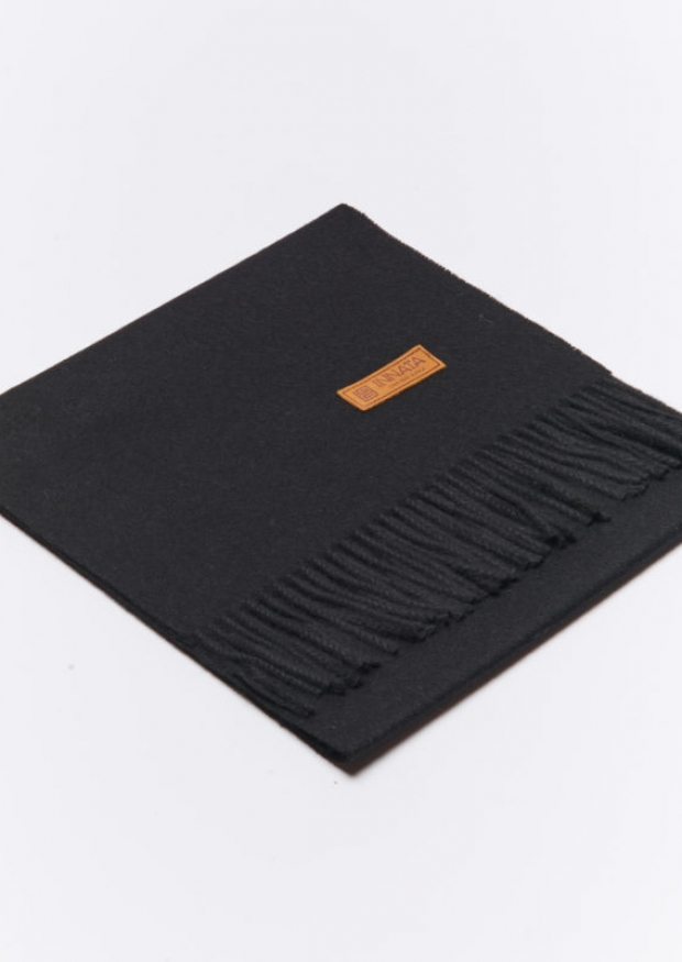Black alpaga scarve