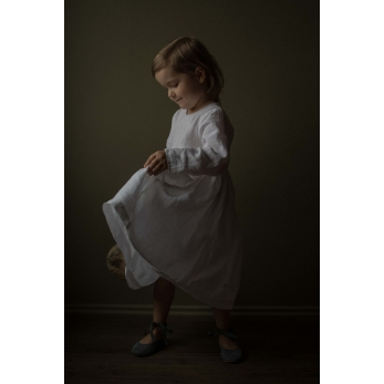 Pleated dress,  long sleeves, white linen