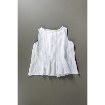 Sleeveless pleated blouse, white linen