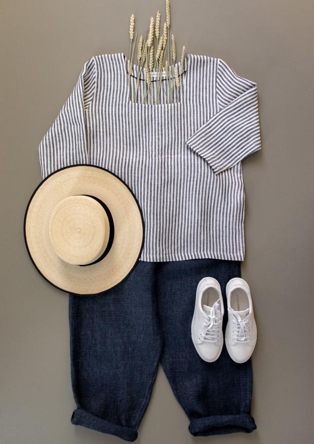 3/4 sleeves blouse squared neck, light stripes linen