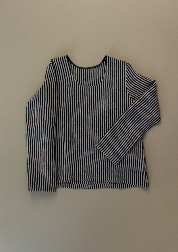 Blouse manches longues col profond, lin rayures sombres