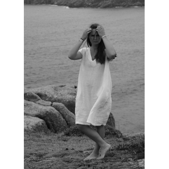 Flared dress, short sleeves, V neck, white linen