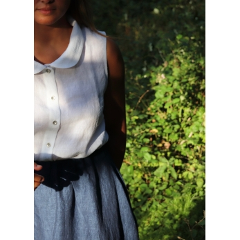 Sleeveless shirt, white linen