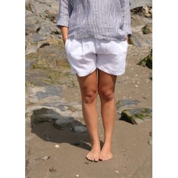 Uniform short, white linen