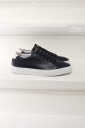 Sneakers, navy leather
