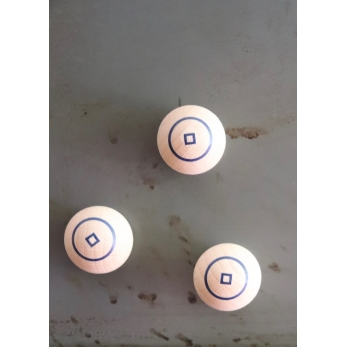 magnetic ball, blue circle
