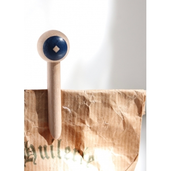 Wood peg, blue circle