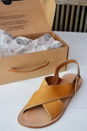 Sandals Uzes, brown leather
