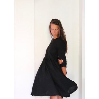 Pleated dress,  3/4 sleeves, black linen