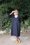 Robe longue évasée manches longues, col V, flanelle noire