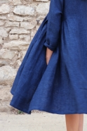 Robe à plis, lin épais indigo
