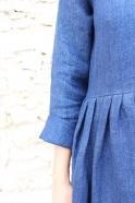 Robe longue à plis manches longues, lin épais indigo