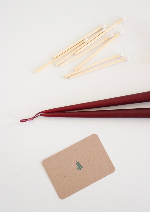Taper candle, red wine