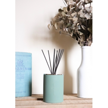 Room diffuser, pine tree and oak leaf
