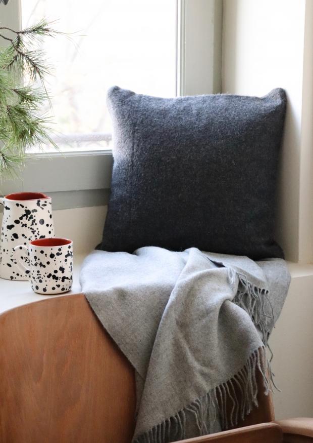 Light grey baby alpaga blanket