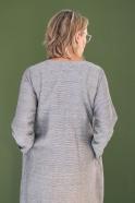 Robe longue évasée manches longues, col carré, tissu fines rayures