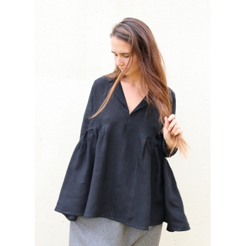 Pleated blouse, black linen