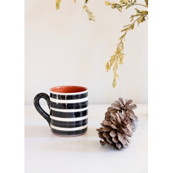 "Mug ""horizontal stripes"" black"