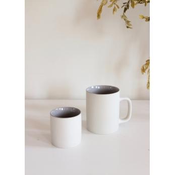 Tasse à thé grises