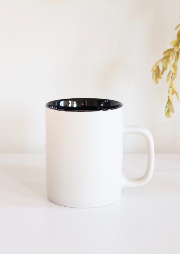 Tasse à thé gris et noir