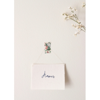 """Embroided words """"Amour"""""""