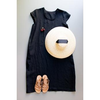 Flared dress, short sleeves, U neck, black linen