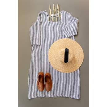 Flared dress, 3/4 sleeves, squared neck, light stripes linen