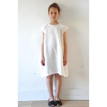 Flared dress, short sleeves, white linen