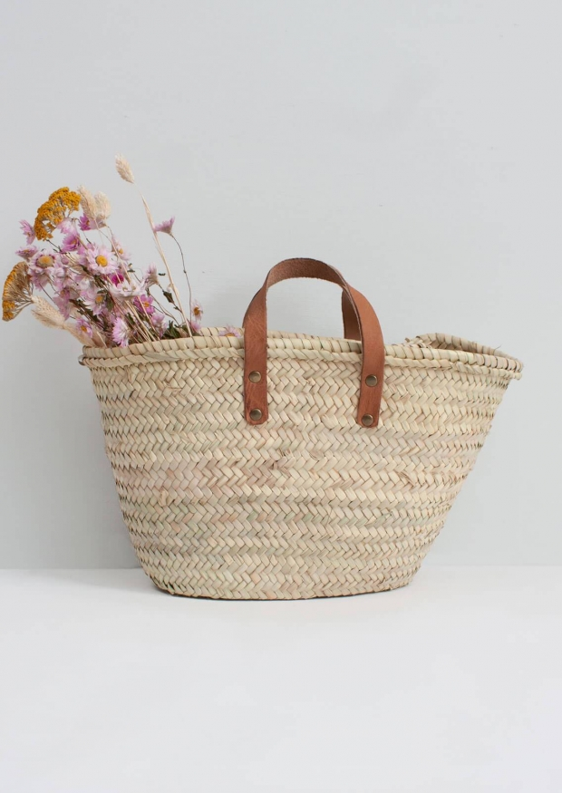 Basket with handles in brown leather