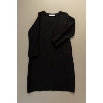 Robe évasée manches longues, col carré, lin noir